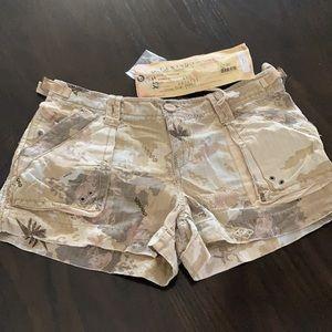 🆕 DA-NANG Silk blend camo shorts 🆕